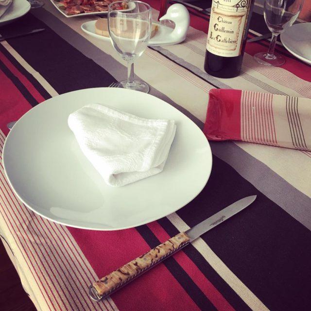 Une belle table avec la nappe Joana de lartigue1910 ethellip