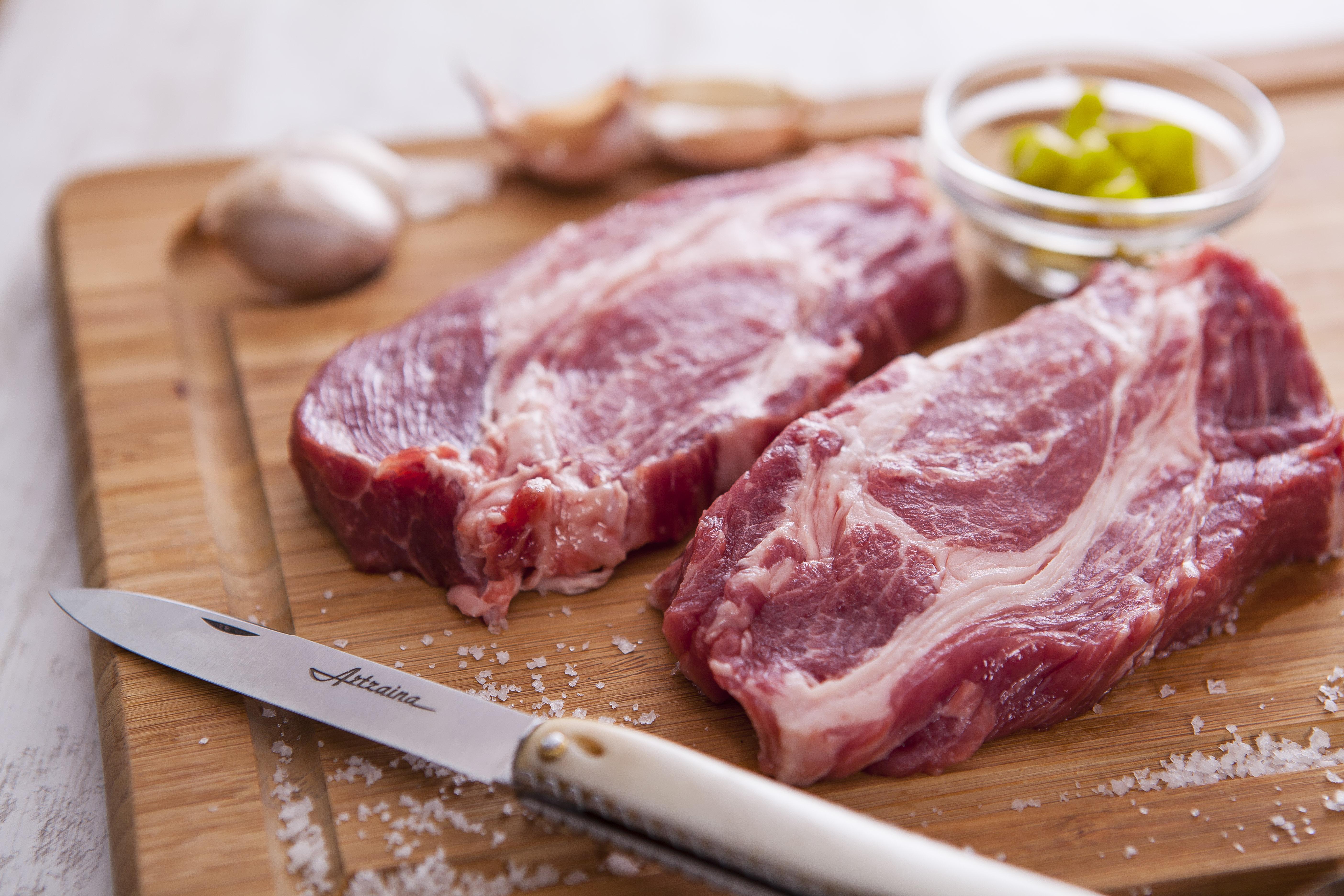 Couteau Artzaina en os de porc Kintoa en collaboration avec Pierre Oteiza