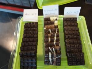 Chocolats noir et 3 chocolats aux amandes caramélisées Puyodebat