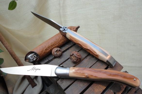 Mizpira, couteau basque artisanal en néflier scarifié.