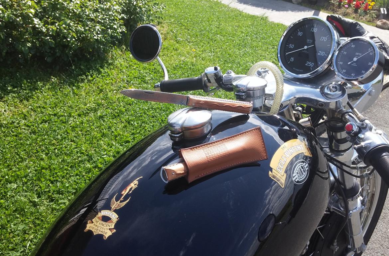 Artzaina, couteau basque en néflier scarifié avec lame damas pour la fête des pères