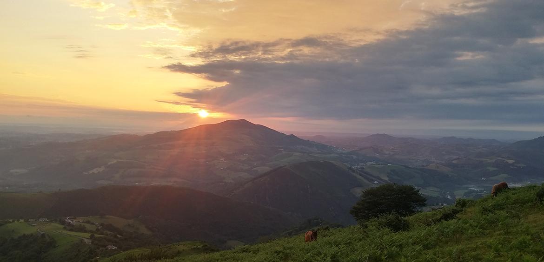lever de soleil au mondarrain Pays Basque