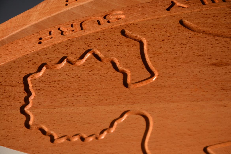 Planche à découper en bois massif par Assiettes et Compagnie