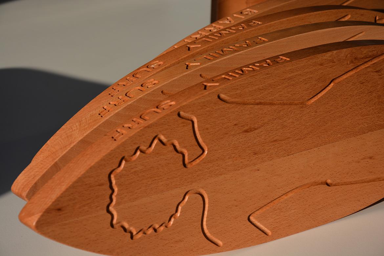 planche à découper en bois massif fabriquée au Pays Basque