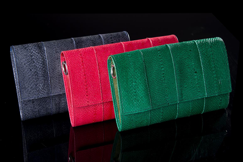 Un portefeuille en cuir de truite de Banca, une idée cadeau au top pour Noël