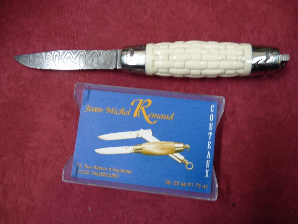 Couteau tonneau de jean michel remaud en ivoire avec lame damas